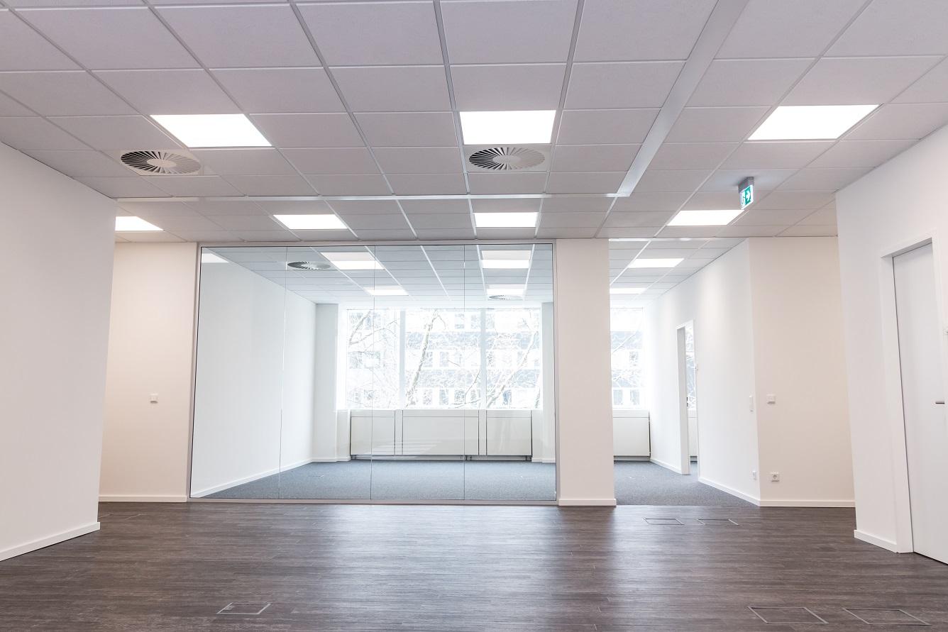LED Panel Beleuchtung im Büro